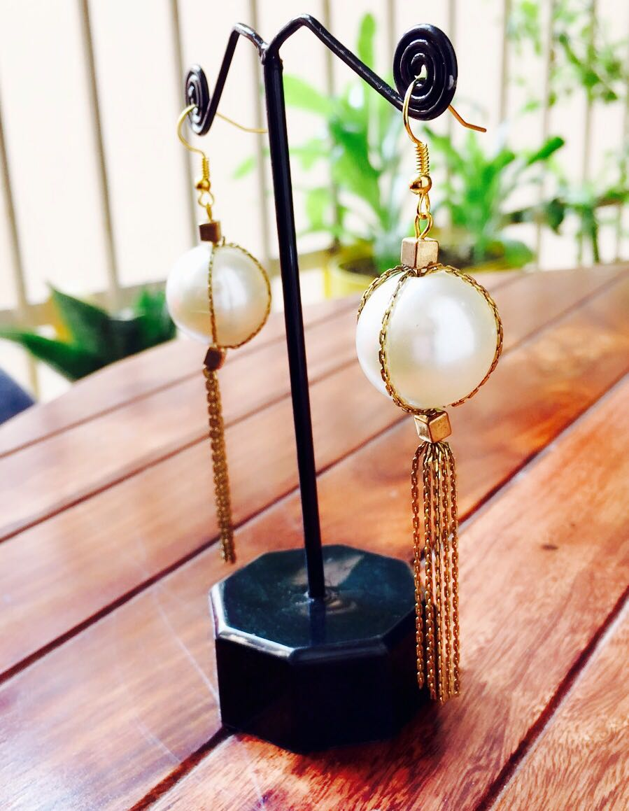 Big-Pearl-With-Golden-Chains-Earrings