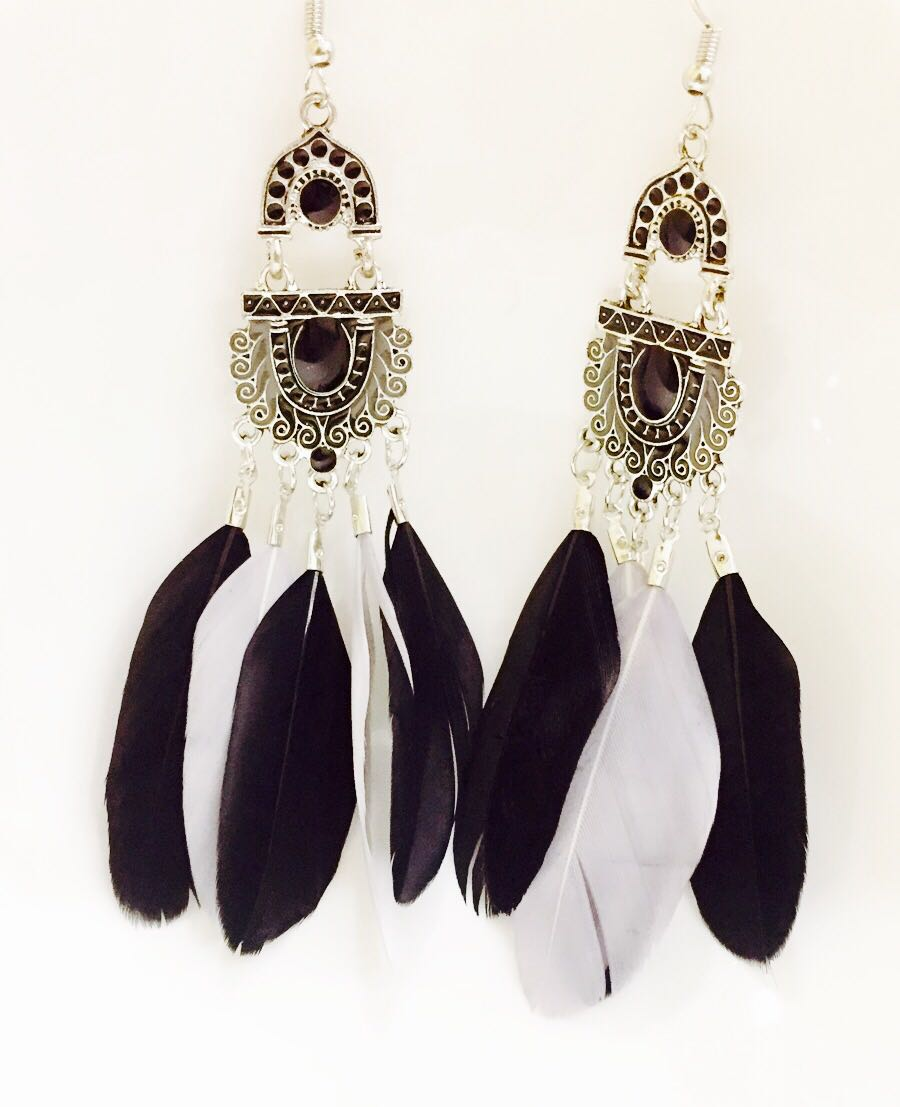 Bohemian-Style-Feather Earrings-Black-White-01
