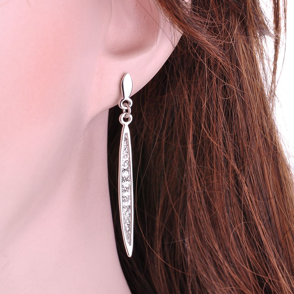 Elegant-Strip-Crystal-Charm-Earrings-Silver-01