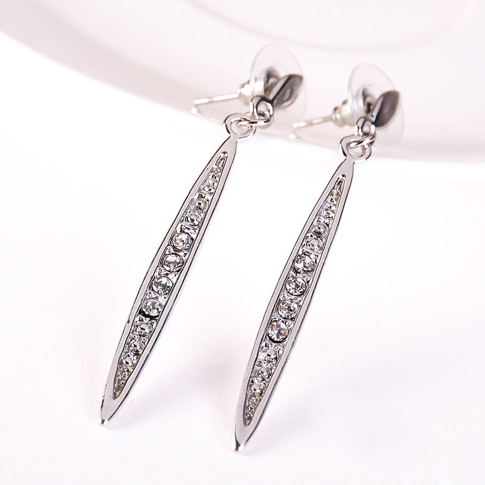 Elegant-Strip-Crystal-Charm-Earrings-Silver-02