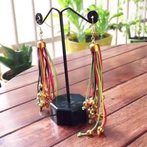 Long-Multicoloured-Strings-With-Golden-Beads-Earrings-02