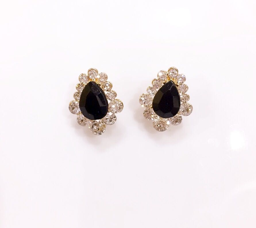 Black Drop Shaped Stone Party Stud Earrings