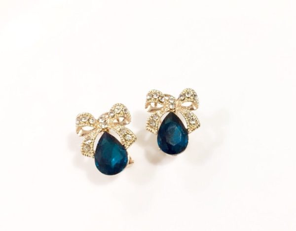 Blue-Drop-With-Golden-Bow-Party-Studs-03