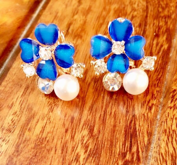 Blue-Floral-Party-Stud-Earrings-02