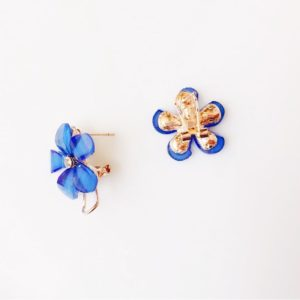 Deep-Blue-Floral-Party-Stud-Earrings-02