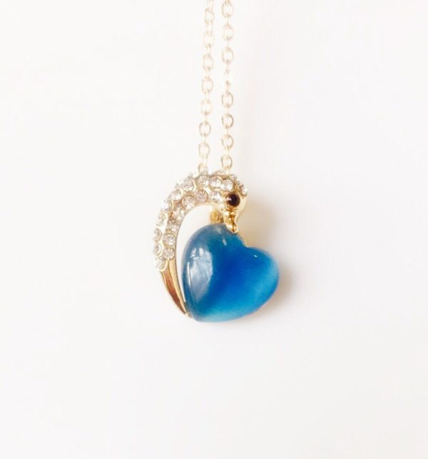 Dolphin-Holding-Heart-Pendant-Necklace-Blue-01