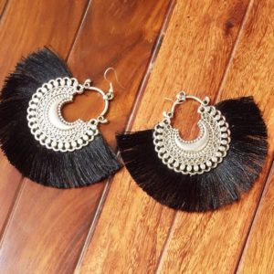 Fan-Style-Tassel-Earrings-With-Chandbalis-Black-02