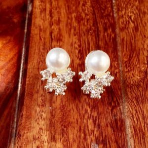 Fashionable-White-Pearl-Stones-Stud-Earrings-01