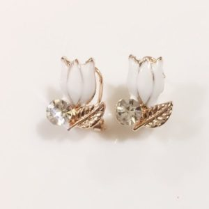 Floral-Party-Stud_Earrings-White-Lotus-01
