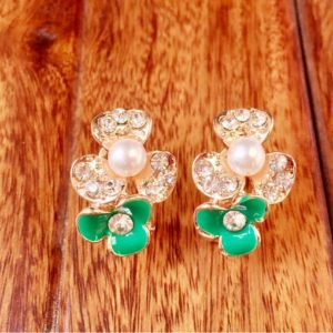 Golden-Flower-Green-Flower-Pearl-Stud-Earrings-01