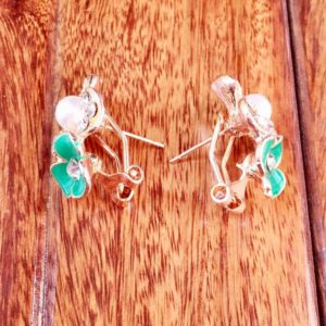 Golden-Flower-Green-Flower-Pearl-Stud-Earrings-02