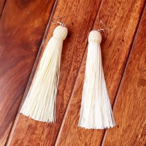 Long-Tassel-Earrings-Woven-Top-Off-White-01