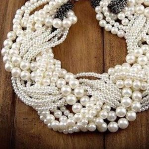 Multi-Layered-Heavy-Pearl-Neckpiece-02