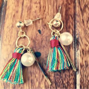 Multicolored-Mini-Tassel-With-Golden-Stick-Pearl-Earrings-02
