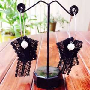 Soft-Lace-Pearl-Drop-Hoop-Earrings-Black-02