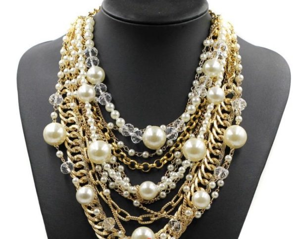 Super-Stylish-Multi-Layered-Statement-Necklace-with-Pearls-and-Chains-02