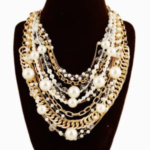 Super-Stylish-Multi-Layered-Statement-Necklace-with-Pearls-and-Chains-03