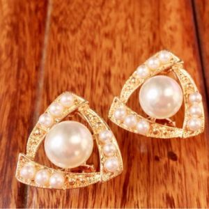 Triangle-Shape-With-Pearls-Stud-Earings-02