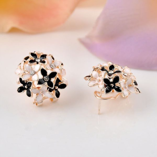 All-Floral-Stud-Earrings-With-Rhinestones-04
