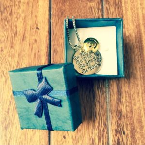Be-You-Positive-Motivational-Pendant-Chain-Necklace-02