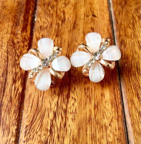 Floral-Party-Stud_Earrings-Four-Petals-01