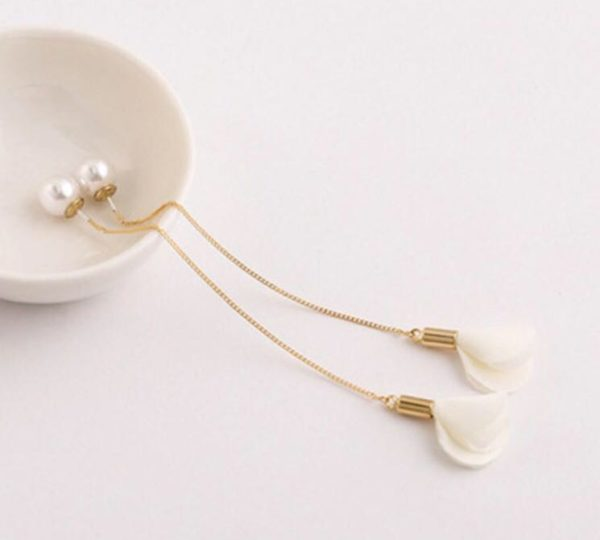 Long-Chain-Two-Side-Floral-Pearl-Earrings-White-01