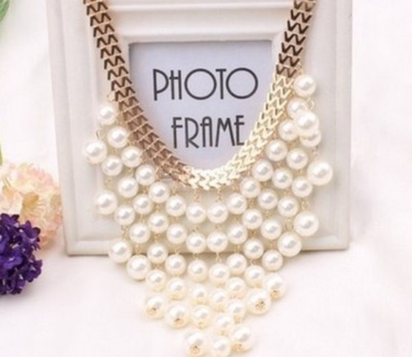 Pearl-Tassels-With-Golden-Statement-Necklace-02
