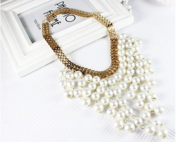 Pearl-Tassels-With-Golden-Statement-Necklace-03