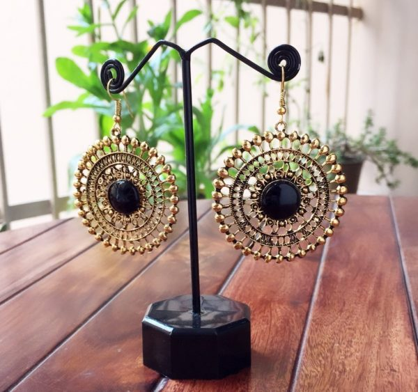 Round-Dangle-Earrings-With-Big-Colored-Bead-Black-01
