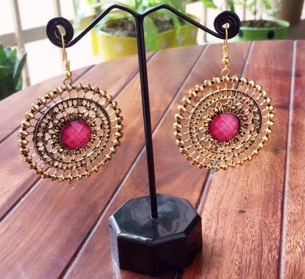 Round-Dangle-Earrings-With-Big-Colored-Bead-Pink-01