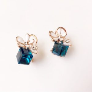 Deep-Blue-Crystal-Cube-Floral-Party-Stud-Earrings-02