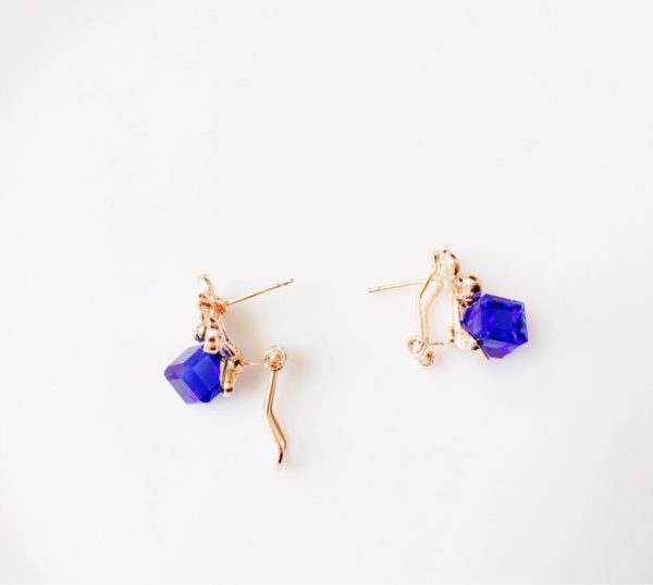 Deep-Blue-Crystal-Cube-Floral-Party-Stud-Earrings-04