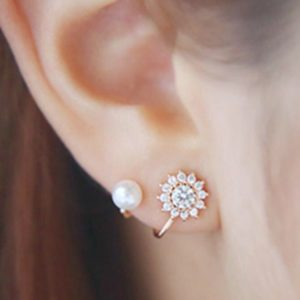 Floral-Rhinestone-With-Pearl-Stud-Earrings-01