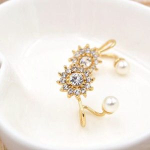 Floral-Rhinestone-With-Pearl-Stud-Earrings-02