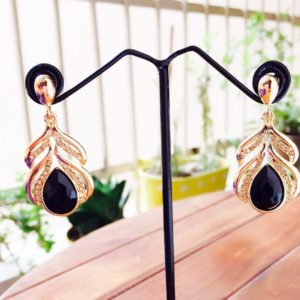 Golden-Dangle-Earrings-With-Crystal-White-Stones-Black-02