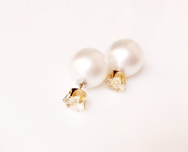 Two-way-stud-earrings-with-big-pearl-and-crystal
